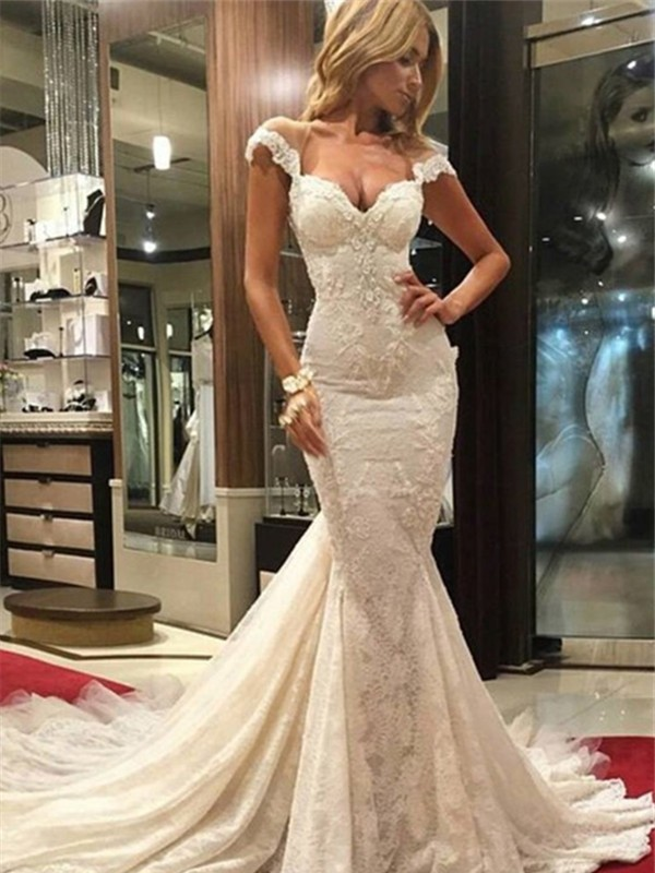 Trumpet/Mermaid Chapel Train Lace Sleeveless Wedding Dresses