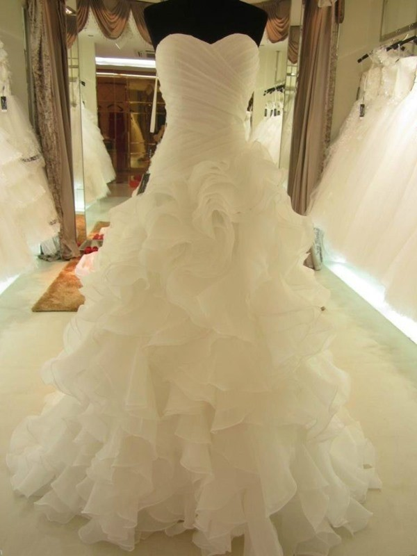 Ball Gown Organza Court Train Ruffles Sleeveless Wedding Dresses