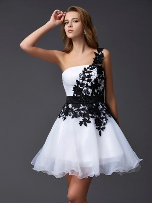 A-Line/Princess Organza One-Shoulder Sleeveless Lace Short/Mini Dresses