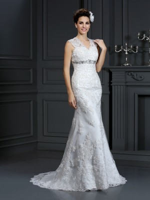 Sheath/Column Lace V-neck Sleeveless Sweep/Brush Train Wedding Dresses