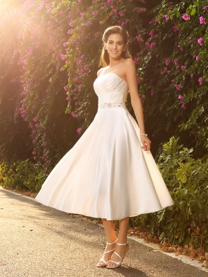 A-Line/Princess Satin Beading Sweetheart Tea-Length Sleeveless Wedding Dresses