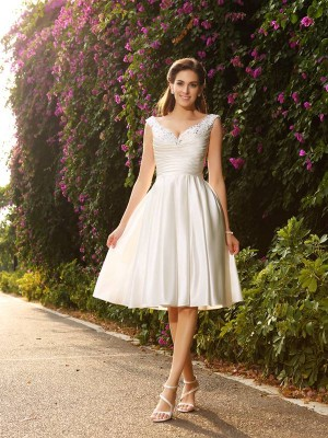A-Line/Princess Satin V-neck Sleeveless Tea-Length Beading Wedding Dresses