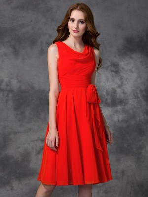A-Line/Princess Chiffon Ruffles Scoop Knee-Length Sleeveless Bridesmaid Dresses