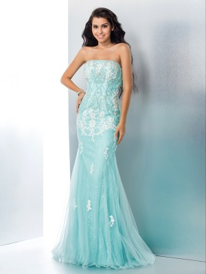 Trumpet/Mermaid Strapless Lace Applique Floor-Length Sleeveless Dresses