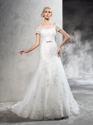 Sheath/Column Net Applique Off-the-Shoulder Court Train Short Sleeves Wedding Dresses