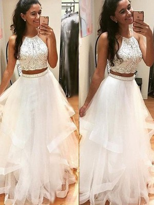 A-Line/Princess Tulle Sleeveless Beading Floor-Length Dresses