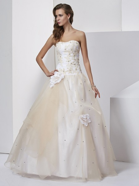 Ball Gown Tulle Sweetheart Sleeveless Hand-Made Flower Floor-Length Dresses