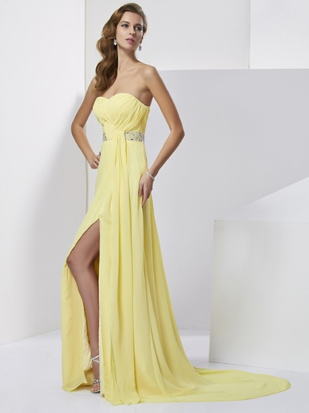 Sheath/Column Chiffon Beading Sweetheart Sweep/Brush Train Sleeveless Dresses