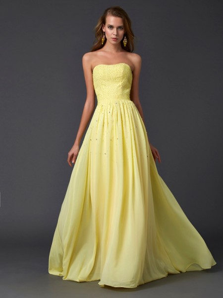 A-Line/Princess Strapless Chiffon Sleeveless Beading Sweep/Brush Train Dresses
