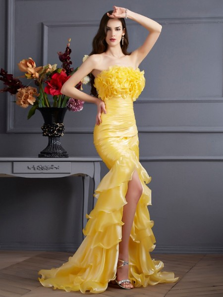 Trumpet/Mermaid Tulle Strapless Sleeveless Ruffles Sweep/Brush Train Dresses