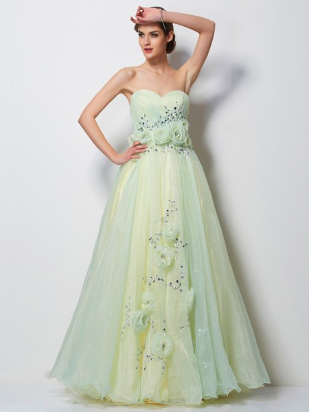 A-Line/Princess Satin Sweetheart Sleeveless Beading Floor-Length Dresses