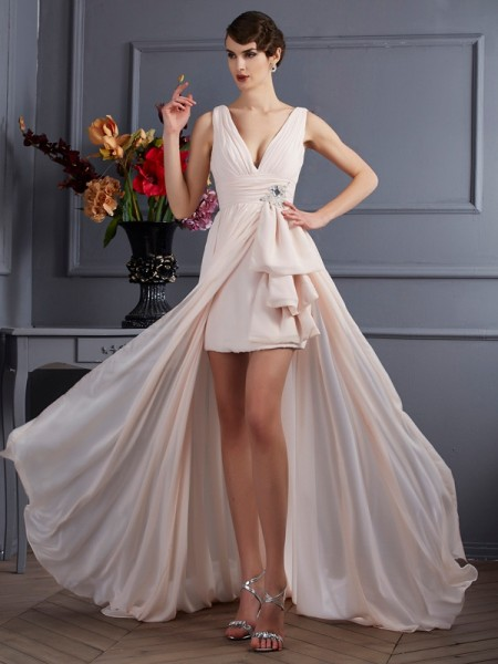 A-Line/Princess Chiffon Straps Sleeveless Court Train Dresses