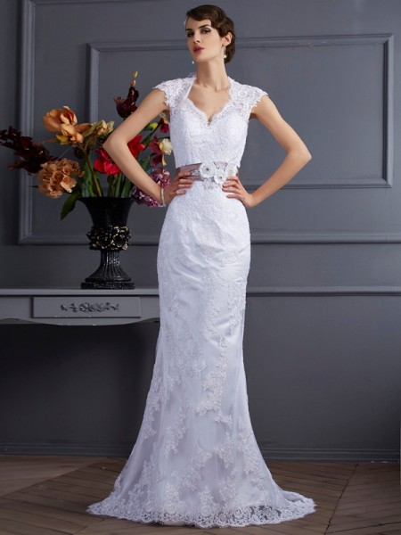 Trumpet/Mermaid Satin Sleeveless Sweep/Brush Train Applique Dresses