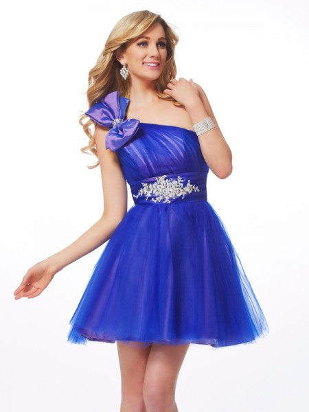 A-Line/Princess One-Shoulder Net Sleeveless Short/Mini Beading Dresses