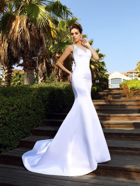Trumpet/Mermaid Satin Beading Scoop Court Train Sleeveless Wedding Dresses