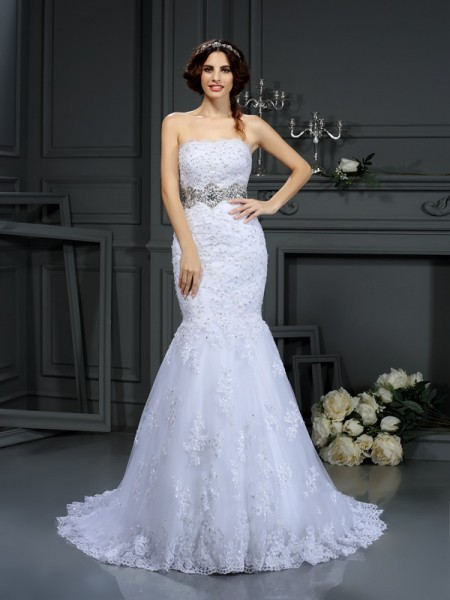 Trumpet/Mermaid Strapless Lace Sleeveless Beading Court Train Wedding Dresses