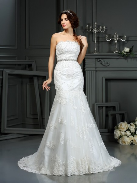 Trumpet/Mermaid Lace Beading Strapless Sleeveless Court Train Wedding Dresses