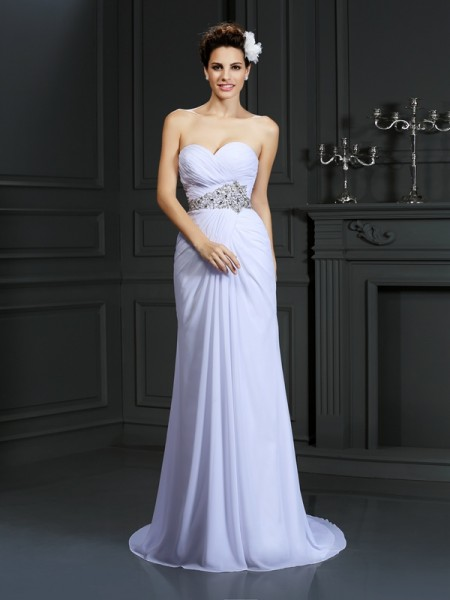 Sheath/Column Chiffon Sweetheart Sleeveless Chapel Train Wedding Dresses