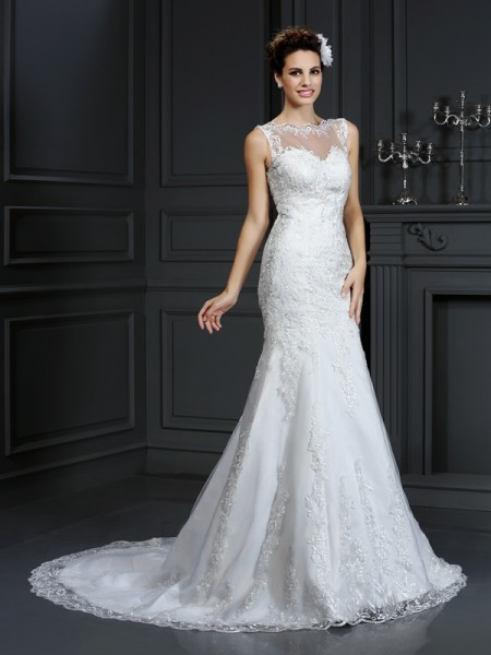 Sheath/Column Satin Bateau Sleeveless Lace Court Train Wedding Dresses
