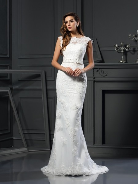 A-Line/Princess Satin Lace Bateau Sleeveless Court Train Wedding Dresses