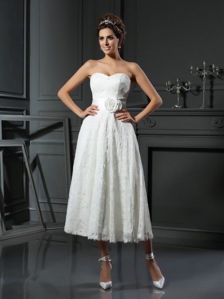 A-Line/Princess Sweetheart Sleeveless Tea-Length Lace Wedding Dresses