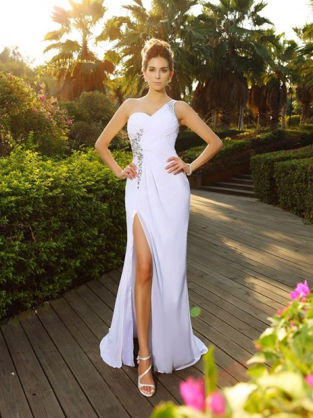 A-Line/Princess One-Shoulder Chiffon Sleeveless Court Train Beading Wedding Dresses