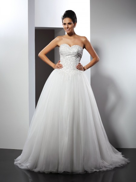 A-Line/Princess Sweetheart Net Applique Sleeveless Chapel Train Wedding Dresses