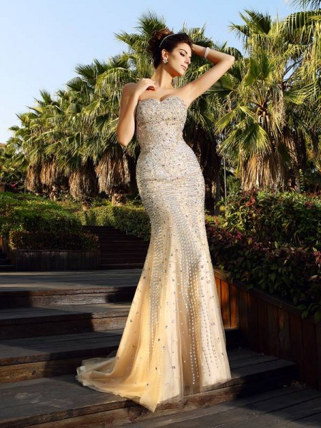 Trumpet/Mermaid Satin Beading Sweetheart Sleeveless Court Train Dresses