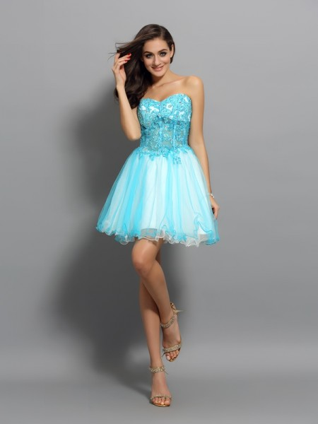 A-Line/Princess Satin Beading Sweetheart Sleeveless Short/Mini Dresses