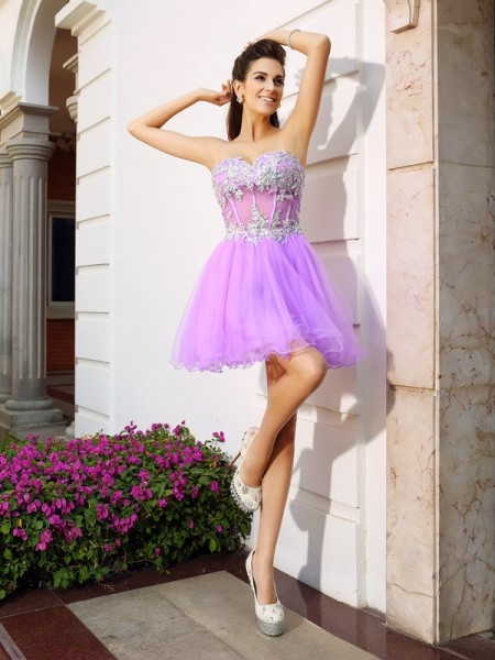 A-Line/Princess Organza Beading Sweetheart Short/Mini Sleeveless Dresses