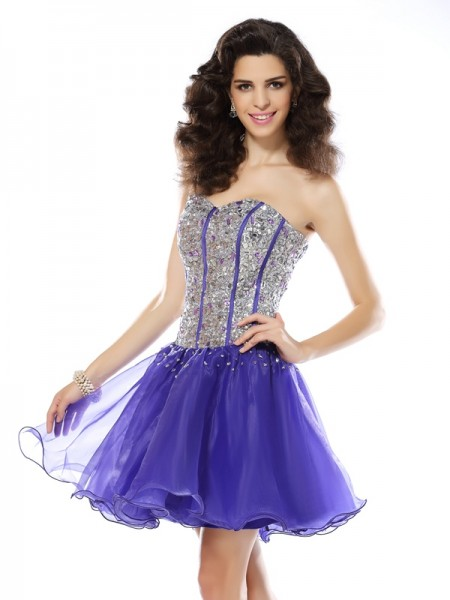 A-Line/Princess Sweetheart Organza Beading Short/Mini Sleeveless Dresses