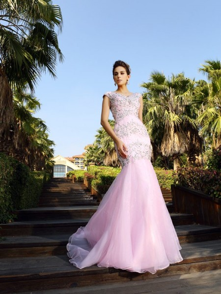 Trumpet/Mermaid V-neck Satin Sleeveless Beading Court Train Dresses