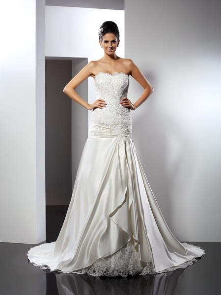Trumpet/Mermaid Satin Applique Sweetheart Sleeveless Chapel Train Wedding Dresses