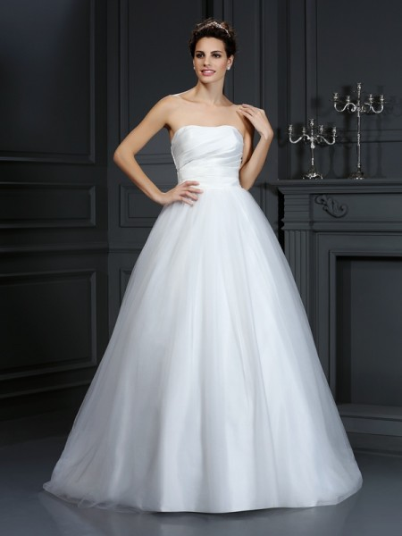 Ball Gown Strapless Taffeta Pleats Sleeveless Court Train Wedding Dresses