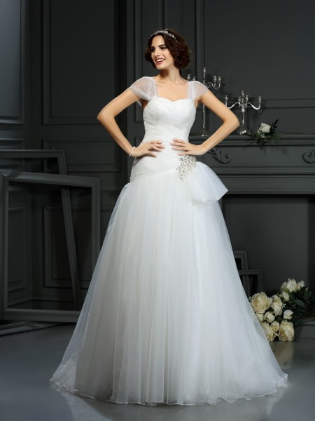 A-Line/Princess Organza Beading Sweetheart Court Train Sleeveless Wedding Dresses