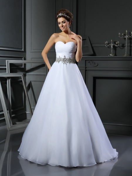 Ball Gown Satin Beading Sweetheart Sleeveless Court Train Wedding Dresses
