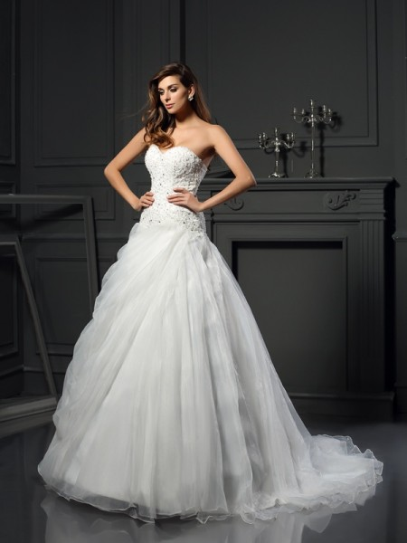 Ball Gown Sweetheart Organza Ruffles Chapel Train Sleeveless Wedding Dresses