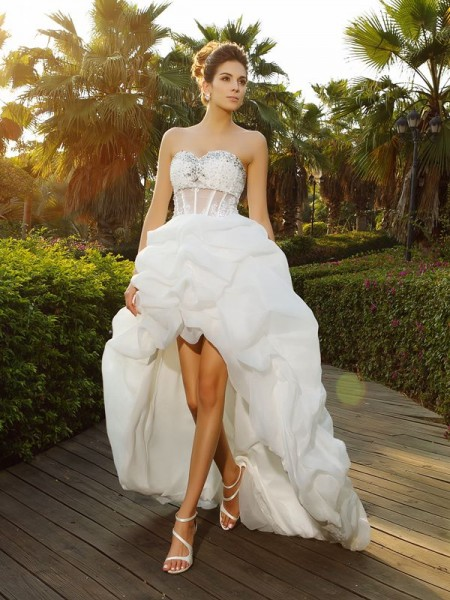 A-Line/Princess Sweetheart Organza Beading Sleeveless Asymmetrical Wedding Dresses