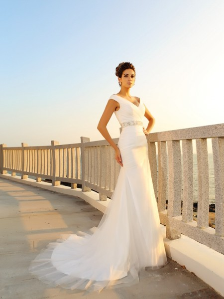 Sheath/Column Net V-neck Sleeveless Pleats Court Train Wedding Dresses