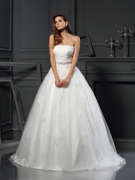 Ball Gown Net Strapless Applique Court Train Sleeveless Wedding Dresses
