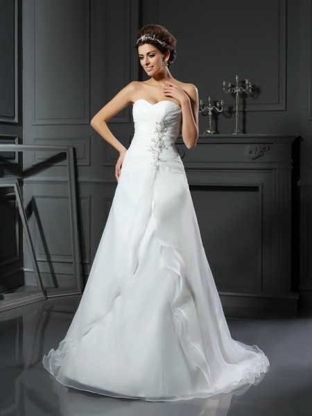 A-Line/Princess Sweetheart Satin Ruched Chapel Train Sleeveless Wedding Dresses