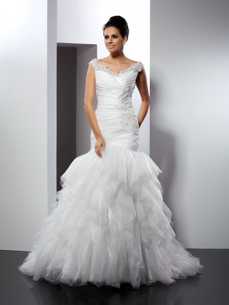 Trumpet/Mermaid V-neck Tulle Sleeveless Applique Cathedral Train Wedding Dresses