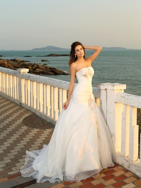 Ball Gown Satin Strapless Sleeveless Chapel Train Hand-Made Flower Wedding Dresses