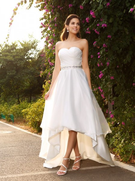 A-Line/Princess Organza Beading Sweetheart Sleeveless Asymmetrical Wedding Dresses