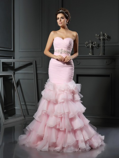 Trumpet/Mermaid Sweetheart Organza Sleeveless Beading Chapel Train Wedding Dresses