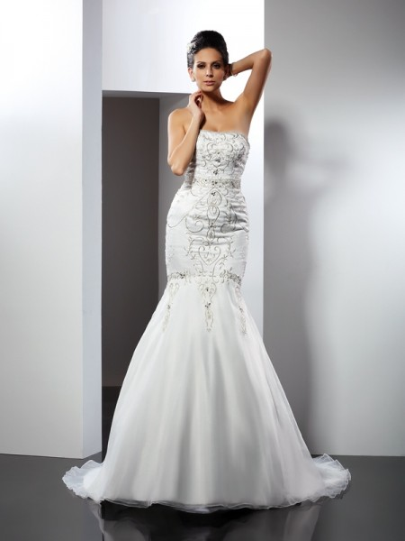 Trumpet/Mermaid Strapless Satin Applique Chapel Train Sleeveless Wedding Dresses