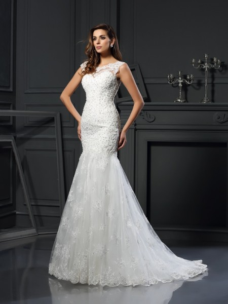 Trumpet/Mermaid Scoop Tulle Short Sleeves Applique Chapel Train Wedding Dresses