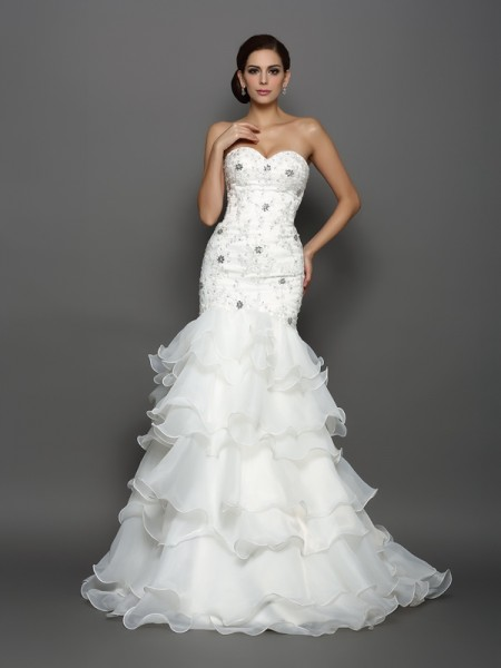 Trumpet/Mermaid Organza Sweetheart Sleeveless Beading Chapel Train Wedding Dresses