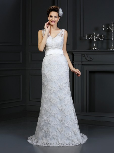 Trumpet/Mermaid Lace Sweetheart Sleeveless Chapel Train Applique Wedding Dresses