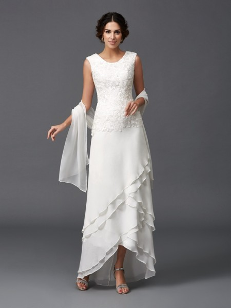 A-Line/Princess Chiffon Scoop Lace Asymmetrical Sleeveless Mother of the Bride Dresses